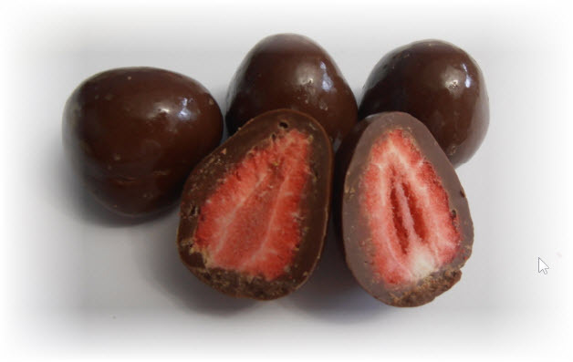 Freeze_Dried_Strawberries_in_Dark_Chocolate__10416.1397695068.1280.1280