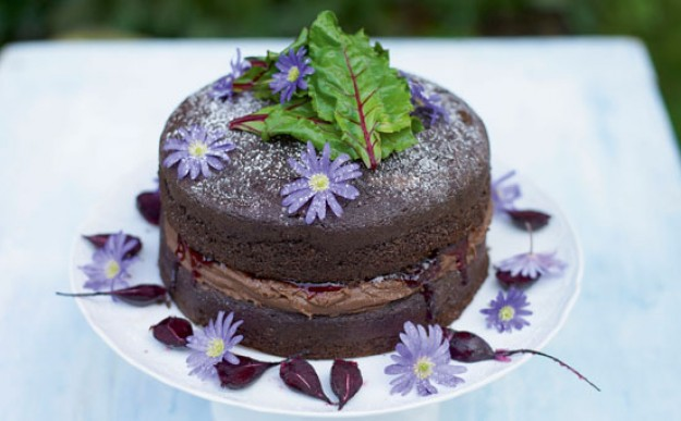 Beetroot-and-choc-cake-PR