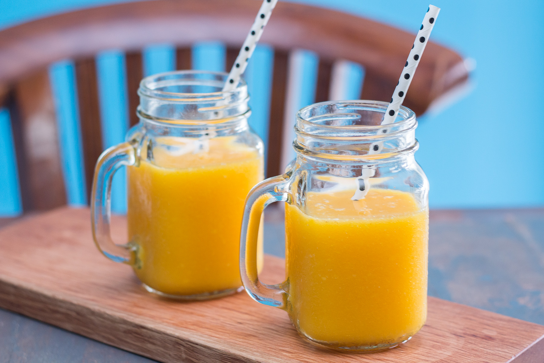 vegan-mango-and-orange-smoothie-1-2